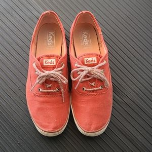 Red Keds Canvas